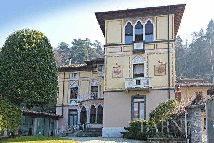 Historic villa in Faggeto Lario